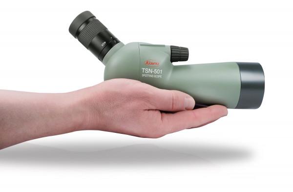 Spektiv KOWA TSN-501, Größenvergleich mit Hand